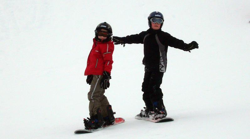 enfants à skis
