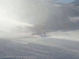 canon à neige en fonctionnement